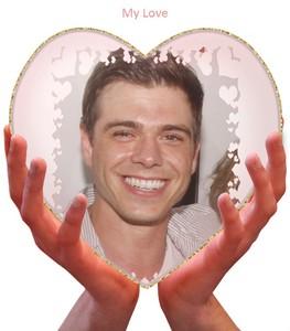 Matthew's cute beautiful face <333333333