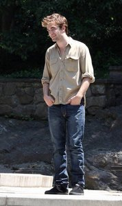 my handsome Robert in Central Park filming scenes for Remember Me<3