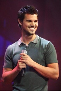 Taylor's beautiful smile<3