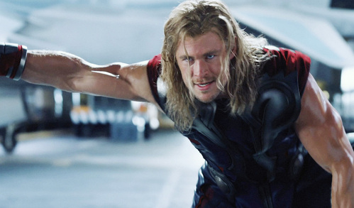 HELL YEAH!!!!!!! Check out the mighty sexy Thor's veins,played 由 my Aussie hottie<3