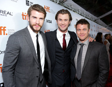 Chris with his 2 brothers,Liam(on L) and Luke<3