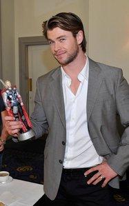 my handsome hottie Hemsworth<3