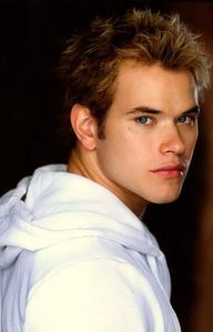 Kellan with dirty blonde hair<3