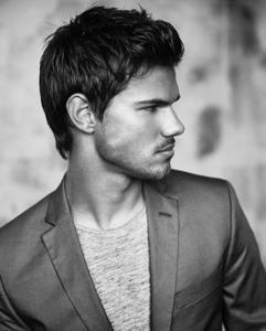 Taylor Lautner in grey<3