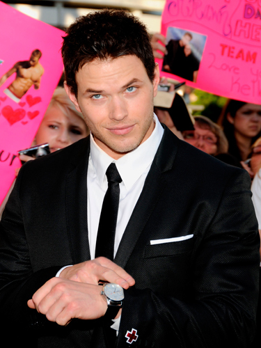 Kellan with black hair,but I prefer him with blonde hair<3