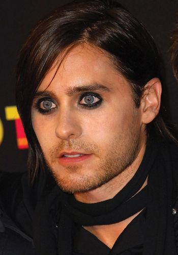 Jared Leto wearing makeup<3