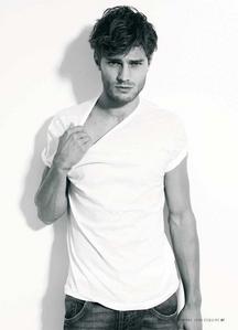 Jamie holding his shirt<3