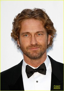 Gerard Butler...I don't find him attractive at all