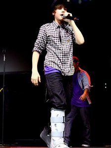 Justin Bieber with a fractured foot...awww poor JB:(