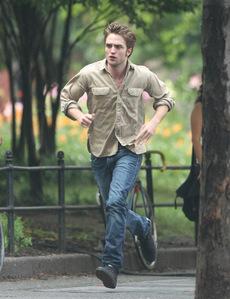run to me,Robert baby<3