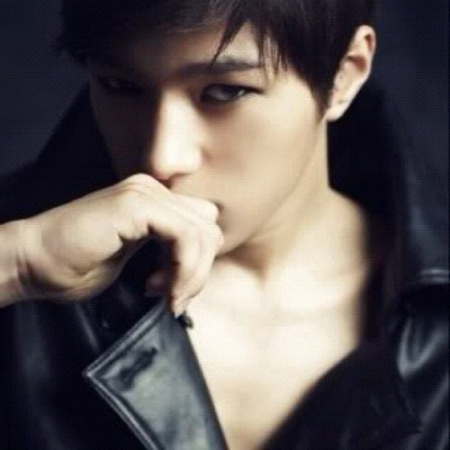 Here ya go! ;) http://data3.whicdn.com/images/56431120/kim-myung-soo-l-1992-03-13-1934_15709_large_large.jpg