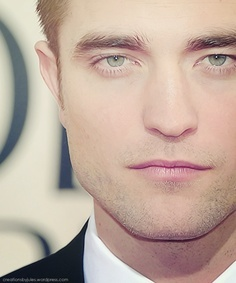such perfect,pink kissable lips<3