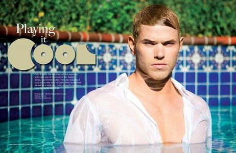 Kellan playing it cool in a pool<3