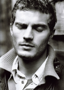 Jamie with a collar<3