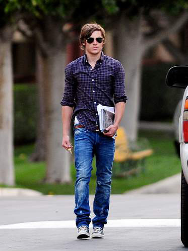 Zac wearing コンバース