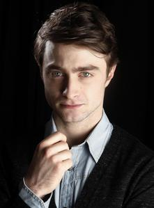 I know some people think he is,but I have nor will I ever think Daniel Radcliffe is attractive.He doesn't even rate on my cute o adorable lista either