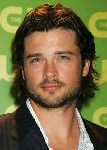 Tom Welling with a beard <3
