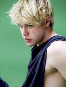 Chord Overstreet is a hot blonde! <3