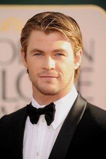 """Chris""""hottie""""Hemsworth looking very hot in a tuxedo<3"""
