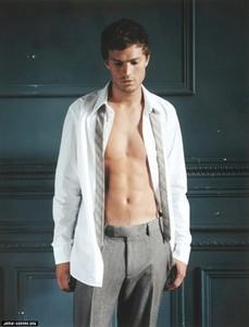 Jamie with his рубашка open...yummy<3