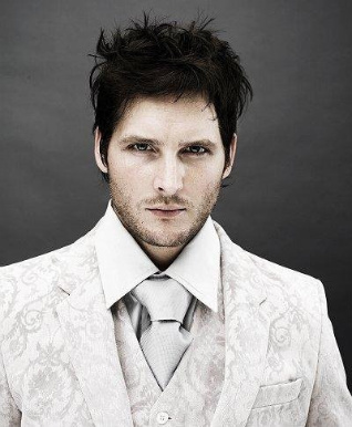 Peter Facinelli wearing a white suit jacke <3