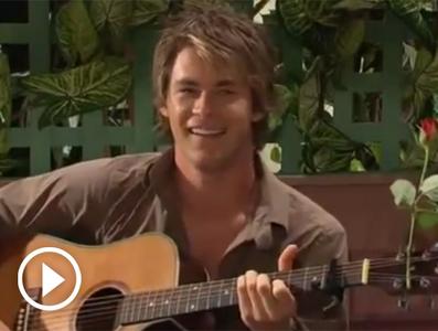 Chris Hemsworth with a guitar<3