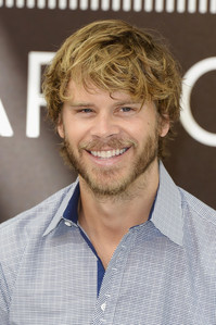 Eric Christian Olsen is good looking but he's not my top, boven 10.
