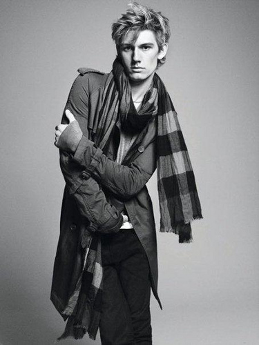 Alex wearing a scarf <3
