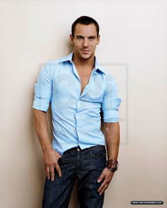 JRM looking sexy in blue! <3