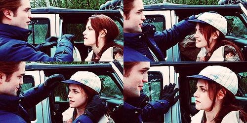 Robert in a scene from Twilight wearing gloves<3
