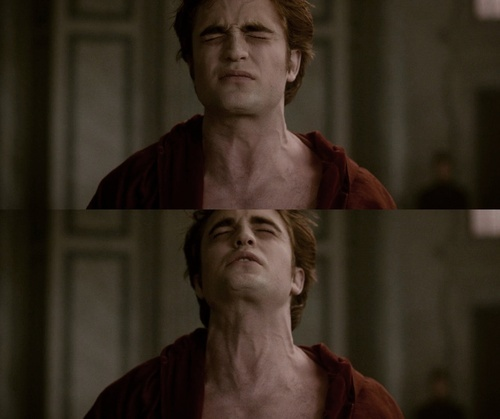 Edward in pain in a scene from New Moon:(