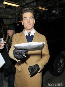 Matt Bomer wearing gloves <3