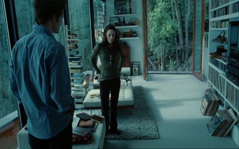 Edward دکھانا Bella his bedroom.Notice there's no bed...because he's a vampire,he doesn't sleep<3