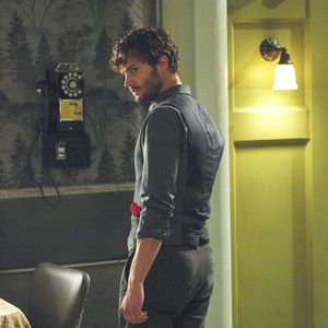 Jamie from the side<3