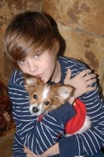 Justin Bieber being adorable<3
