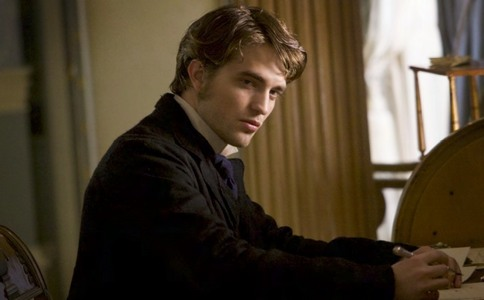 Robert giving me the come hither,I want आप now look<3