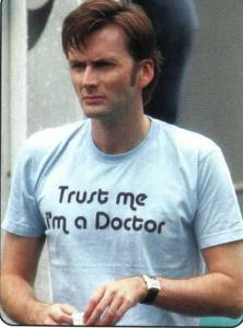 David Tennant(After Justin) He loves his Фаны and I Любовь him *_* Plus he's Scottish so why wouldnt I want to meet him ;) Haha