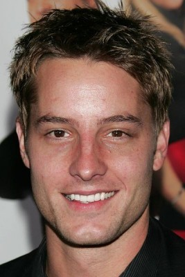 Since Matt Bomer is already taken, I definitely wouldn't mind having a datum with my Hottie No. 2, Justin Hartley <3333