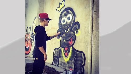 Victoria's Canadian cutie,Justin Bieber<3