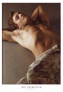 Jamie inaonyesha his incredibly hot Irish body<3