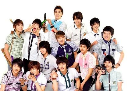 The names of the 13 members of Super Junior are: Leetuek, Heechul,yesung, kyuhyun,Ryeowook,Kangin,Donghae,Siwon,EunHyuk, ShinDong,Hangeng,Kibum,Sungmin