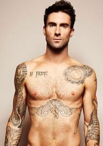 Adam Levine has a lot of hình xăm