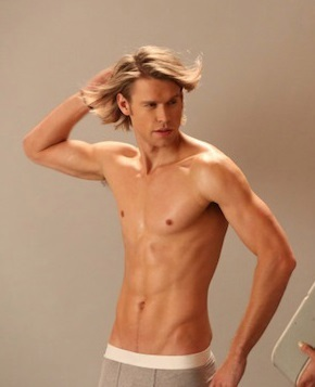 Chord Overstreet looking sexy with long hair <3