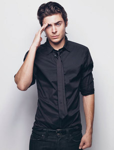 Zac looking sexy in black <3
