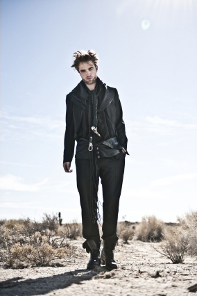 my hot British babe looking even lebih hot in black leather for his Italian vogue photoshoot<3