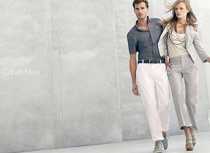 Jamie in white pants<3