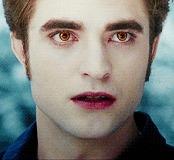 Robert as Edward with pale white skin<3