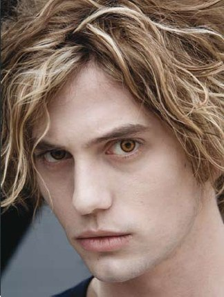 Did آپ know that Jackson Rathbone auditioned and was one of the finalists for Edward Cullen? I cannot see anyone but Robert as Edward Cullen.Luckily,it all worked out perfectly for both Robert and Jackson<3
