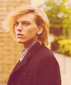 Jamie Campbell Bower<33333333333333333333
