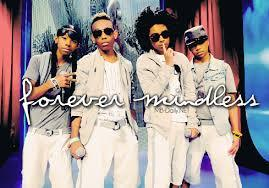 they arnt becuz omg girlz hahve bf and mb prob haz gf and ya mmmmmhhhhhh especially roc royal ooooh he sooo fine